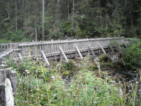Rifugi casinei e brentei escursione da rifugio for Garage con ponte in cima